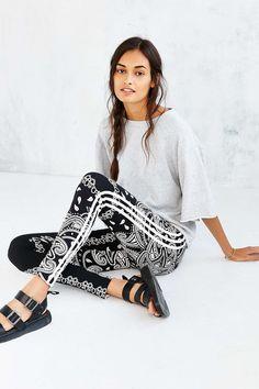 adidas Originals Paisley Legging - Urban Outfitters