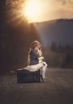 New photography poses for girls children Ideas Cute Kids, Cute Babies, The Colour Of Spring, Foto Baby, Jolie Photo, Girl Photography, Vintage Family Photography, Photography Ideas Kids, Travel Photography