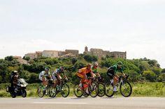 Étape 1 - Porto-Vecchio > Bastia - Devant le village d'Aléria Tour de France 2013