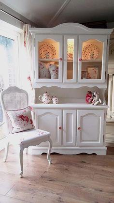 White shabby chic kitchen (9)