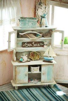 Shabby Coastal Living in the Dollhouse