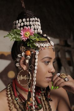 Sho Madjozi - Bookings For Sho Madjozi - UMGLive Beautiful Black Women, Beautiful People, African Print Jumpsuit, African Artwork, Latest Ankara Styles, Brown Skin Girls, Black Queen, Women's Fashion Dresses, African Fashion