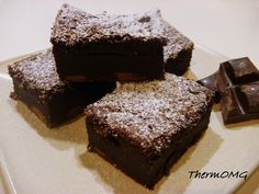 The Fudgy Wudgy Brownies — butter caster sugar plain flour cocoa (good quality) ½ tsp vanilla bean paste (or essence) 4 eggs choc bits Fudgy Brownies, Chocolate Brownies, Quick Chicken Curry, Pumpkin Scones, Thermomix Desserts, Fudge Cake, Food Obsession, Brownie Recipes, Sweet Recipes