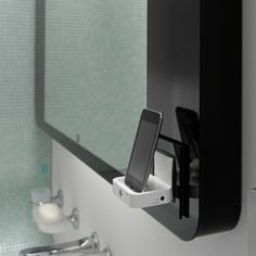 Ipod, Iphone docking station on a mirror, that will be Zierath Eyepoint Music Mirror