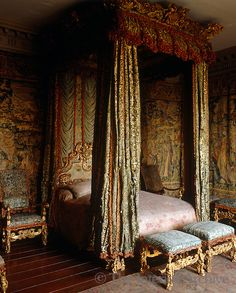 The Venetian Ambassador's Room features a bed made for James II with hangings in Genoa velvet, Knole, UK. Home Decor Bedroom, Room Decor, Castle Rooms, Villas, Royal Bedroom, Old World Style, Classic Interior, How To Make Bed, Decoration