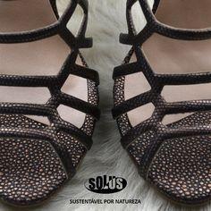 SOLUS Couro Reconstituido #bondedleather #brownshoes #cueroregenerado #cuoiorigenerato #lederfaserstoff #shoes #sapatos #sandálias #cabedal #arraia #sawfish #ray #galuchat #trends