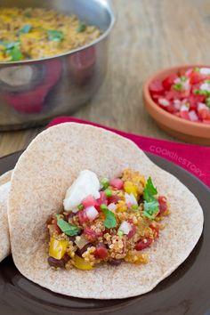 Vegetarian Quinoa Fajitas for #BackToSchoolWeek from www.cookthestory.com