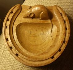 "Vintage 20thc Robert Mouseman Thompson carved oak small dish in the form of a horseshoe. The dish measures approx 4.75"" x 4.75"""