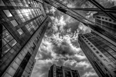 Paisagem Urbana/The sky's the limit (B&W)