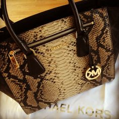 Michael Kors Hamilton Checkerboard Medium Orange Totes Outlet Online With Off Sale. Michael Kors Designer, Cheap Michael Kors, Michael Kors Outlet, Michael Kors Tote, Handbags Michael Kors, Hamilton, Carteras Michael Kors, North And South, Mk Outlet