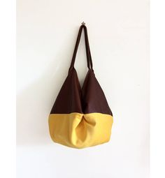 borsa pelle marrone e gialla, borsa tessuto microfibra, borsa tracolla, borse italiane fatte a mano, regali per lei per la festa della mamma di BBagdesign su Etsy