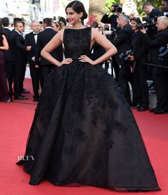 Sonam Kapoor In Elie Saab Couture – 'The Homesman' Cannes Film Festival Premiere