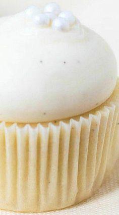 Cold Oven Mini Pound Cake Cupcakes