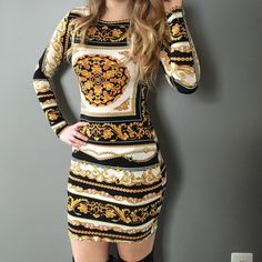 TOPSHOP Long Sleeved Dress TOPSHOP dress in gold, white and black print. US 6 UK 10 EUR 38. Please note size! No trades. Topshop Dresses Long Sleeve