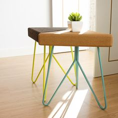 Low cork stool TRES by Galula design Mendes'Macedo