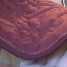 How to Bind a Quilt with Cording - video tutorial by Carolyn Wainscott