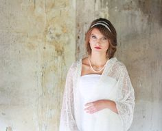 Mariage écharpe lin nuptiale châle blanc pure étole par BVLifeStyle                                                                                                                                                                                 Plus                                                                                                                                                                                 Plus