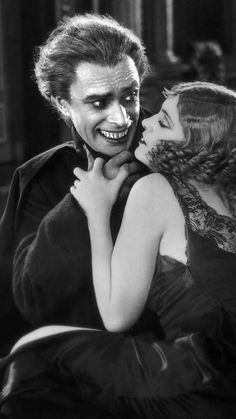 'The Man Who Laughs', Conrad Veidt and Mary Philbin.