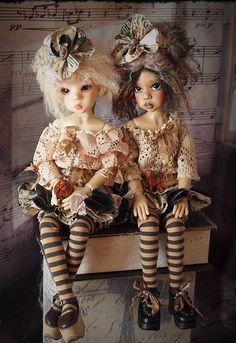 .poupées