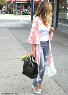 Ripped jeans, white tee and pastel color cardigan for spring look