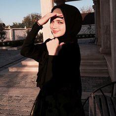 milaya and pticjka image Arab Girls Hijab, Muslim Girls, Mode Abaya, Mode Hijab, Hijabi Girl, Girl Hijab, Beautiful Muslim Women, Beautiful Hijab, Hijab Dress