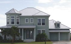 Standing seam metal roof on a Florida home.