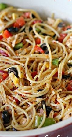 We have 25 Easy Pasta Salad Recipes that are frugal, simple and so tasty. These summer pasta salad recipes are perfect for potlucks, barbecues and more. Italian Recipes, New Recipes, Dinner Recipes, Cooking Recipes, Healthy Recipes, Recipies, Healthy Dishes, Healthy Meals, Cooking Beef