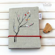 Hand emboidery.. Notebook with cover made of linen fabric.. Tree..