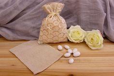Πουγκί Δαντέλας BI0245  Πουγκί δαντέλας σουρωτό.Δημιουργήστε εύκολα και γρήγορα μια μπομπονιέρα όπως εσείς την έχετε σκεφτεί. Συνδυάστε με μια μεγάλη ποικιλία χρωμάτων και υλικών, κορδέλες, κορδόνια, δαντέλες και ξύλινα ή μεταλλικά διακοσμητικά στοιχεία (μοτίφ) και αφήστε τη φαντασία να σας οδηγήσει.Διαστάσεις: 13x17cm