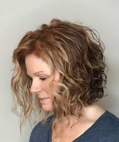 17-Short Curly Hairstyles for Women 2017