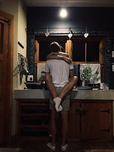 couple, goals, and kiss image Photo Couple, Love Couple, Couple Goals, Boyfriend Goals, Future Boyfriend, Cute Relationship Goals, Cute Relationships, Tumblr Couples, Young Love