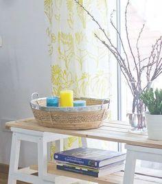 Die Küche könnte mal wieder frischen Wind gebrauchen und das Wohnzimmer schreit auch nach Veränderung? Und wo bleibt eigentlich die Ordnung? Mindestens eine Lösung findet ihr heute im DIYnstag! Wir stellen euch 9 kinderleichte IKEA-Hacks mit Anleitungen vor, mit denen euer Zuhause in wenigen Schritten ordentlicher wird – und dazu noch schöner.#1 – Küchenregal aus der Skogsta-SerieFür die Lieblingsaccessoires in der Küche: drei Holzkästen in einer Reihe an der Wand befestigen. Wirkt dekorativ…