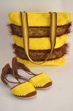 Simona Gonciulea: Afacerea mea este despre bucuria creației Hand Weaving, Beading, Espadrilles, Handbags, Shoes, Fashion, O Beads, Espadrilles Outfit, Purses