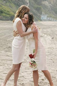 "Emily Hugs Amanda in Revenge Season 2, Episode 13, ""Union"""