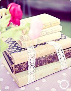 Books #books http://www.blanccoco.com/2011/09/23/buffet-de-nos-fiancailles-love-vintage-cupcakes-bagels/