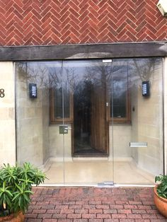 Click this link now encouraged entrance porch design Glass Porch, Glass Front Door, Glass Door, Door Design, Exterior Design, House Design, Simple Porch Designs, Porch Enclosures, Veranda Design