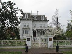 The Captain William Parker Halliday House, now known as Riverlore was built in 1865. The 11-room mansion was constructed in a Second Empire style for Captain William Parker Halliday.