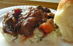 Butter, with a side of Bread // Easy family recipes and reviews.: EASY BEEF BOURGUIGNON