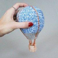 United Air Skipper - how cute - pattern for sale? Crochet World, Crochet Home, Knit Or Crochet, Crochet For Kids, Crocheted Toys, Crochet Baby Mobiles, Crochet Mobile, Amigurumi Patterns, Crochet Patterns