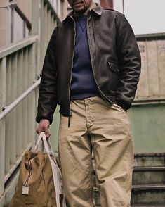 The Real McCoy'sさんはInstagramを利用しています:「The REAL McCOY'S ~RESTOCKED~ 41' TROUSERS KHAKI Based on a relaxed fit military khaki trouser created during 1941 and used by the U.S.…」