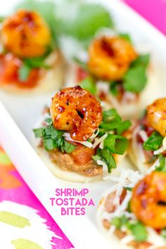 Learn how to make easy and delicious shrimp tostada bites, the perfect quick party appetizer recipe for a crowd! Easily ideas to customize them too! Recipes Appetizers And Snacks, Appetizers For Party, Shrimp Recipes, Mexican Food Recipes, Party Recipes, Popular Appetizers, Appetizer Dishes, Healthy Appetizers, Shrimp Tostadas