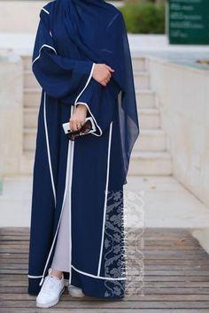Abaya Style 457396905888912354 - islamic clothing usa Source by asiahcool Islamic Fashion, Muslim Fashion, Modest Fashion, Abaya Dubai, Modest Wear, Modest Outfits, Modern Islamic Clothing, Moda Hijab, Estilo Abaya