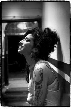 Amy Winehouse, 2006, Union Chapel, Londra. foto di Jill Furmanovsky