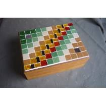 Cajas De Té Madera Con Venecitas Mosaic Tray, Mirror Mosaic, Crafts For Kids, Arts And Crafts, Mosaic Crafts, Stained Glass Art, Tissue Boxes, Craft Fairs, Wooden Boxes