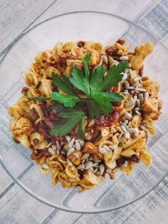 Sałatka makaronowa z kurczakiem i suszonymi pomidorami – Mrs. Endorfina – zdrowe jedzenie, pozytywna energia, pasja i motywacja