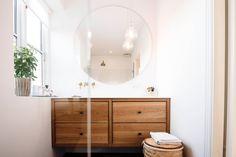 Badeværelse med runde spejle - ThingLink