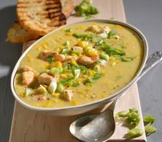 Chicken and corn soup. A creamy chicken and corn soup served with a hot ciabatta is the perfect way to warm up! Corn Soup Recipes, Yummy Chicken Recipes, Yum Yum Chicken, Crockpot Recipes, Dinner Recipes, Cooking Recipes, Healthy Recipes, Healthy Food, Yummy Food