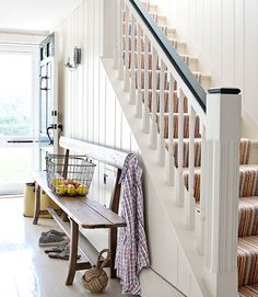 staircase design ideas - beautiful stairway decorating ideas hallway be Home Stairs Design, House Design, Modern Farmhouse, Stairway Decorating, Decorating Ideas, Decor Ideas, Antique Bench, House Stairs, Big Houses