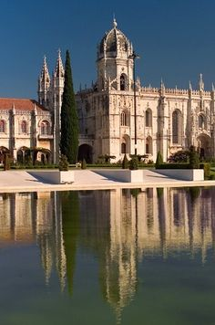 Jerónimos Monastery, Lisbon, Portugal - I was here :) Visit Portugal, Spain And Portugal, Portugal Travel, Places Around The World, Travel Around The World, Around The Worlds, Beautiful Buildings, Beautiful Places, Destination Voyage