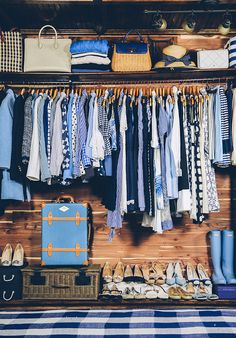 Seasons Change - Classy Girls Wear Pearls : Sarah Vickers adventures in New England living, classic fashion, and travel. Color Coordinated Closet, Oc Fanfiction, Organizar Closet, Preppy Style, My Style, Preppy Fashion, Classic Fashion, Punk Fashion, Sarah Vickers